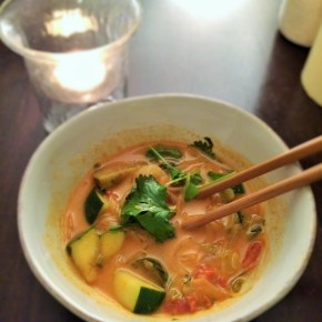 Healthy Vegetarian Vermicelli Red Curry in <30 Minutes